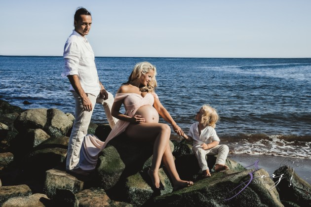 Catchup: Last-Minute Maternity Photoshoot by Zorz Studios (18)