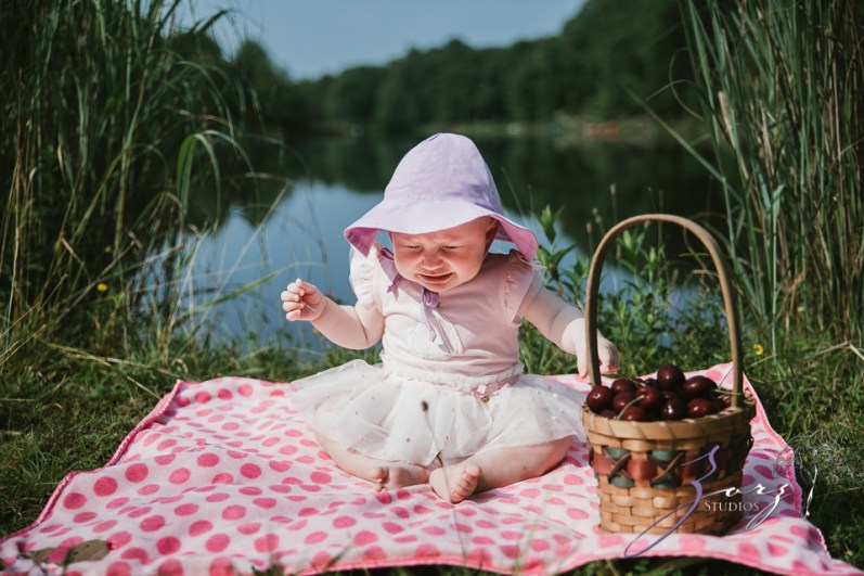 Veyear: Our Baby Girl First Birthday Photoshoot in Poconos by Zorz Studios (31)