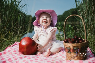 Veyear: Our Baby Girl First Birthday Photoshoot in Poconos by Zorz Studios (29)