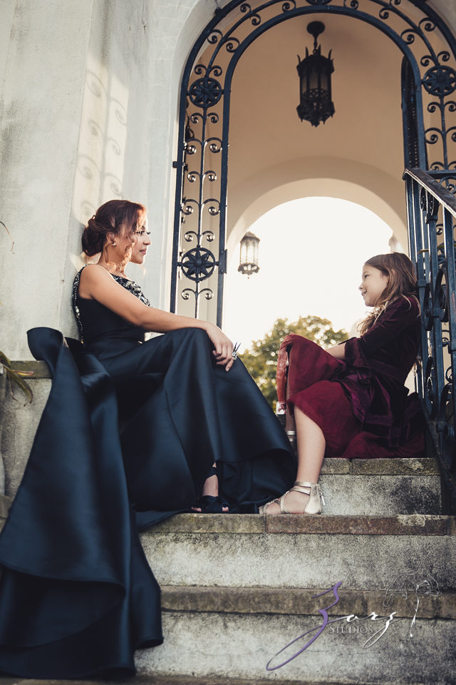 Womansion: Stylish Family Shoot at Vanderbilt Museum by Zorz Studios (36)