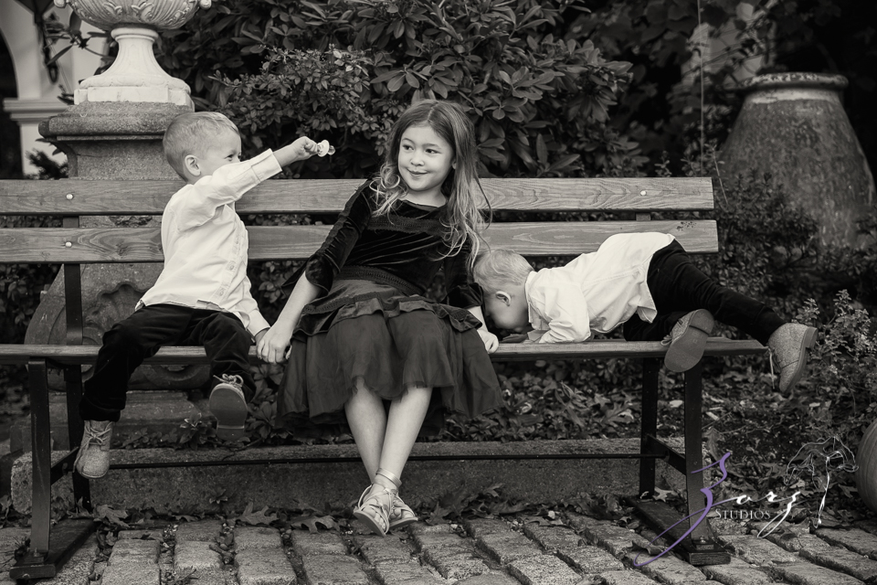 Womansion: Stylish Family Shoot at Vanderbilt Museum by Zorz Studios (7)