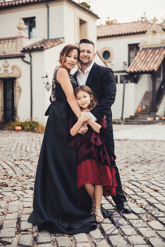 Womansion: Stylish Family Shoot at Vanderbilt Museum by Zorz Studios (23)