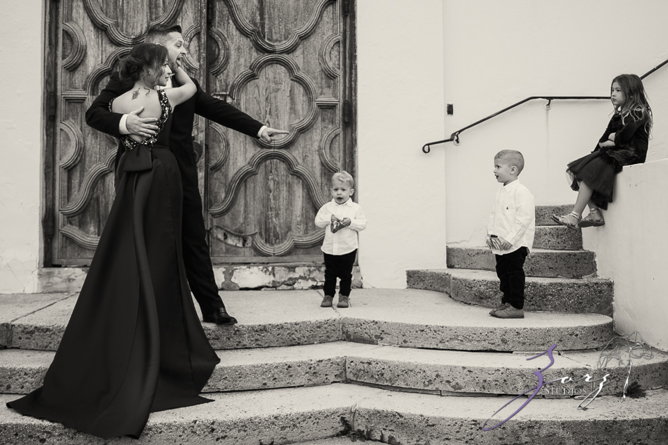 Womansion: Stylish Family Shoot at Vanderbilt Museum by Zorz Studios (2)