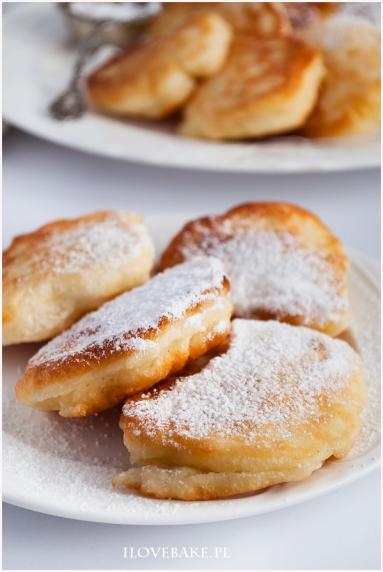 Zdjęcie - Racuchy na kefirze - Przepisy kulinarne ze zdjęciami
