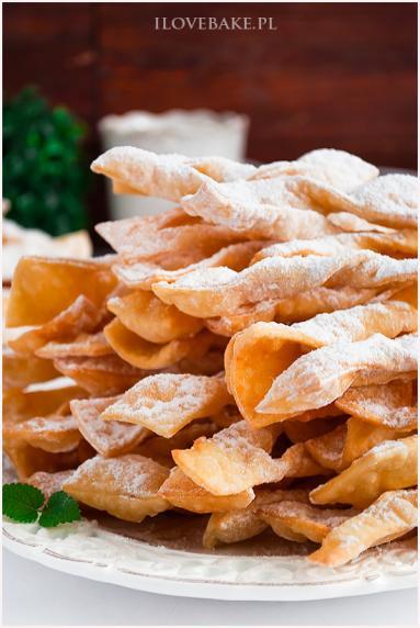 Zdjęcie - Faworki Ćwierczakiewiczowej - Przepisy kulinarne ze zdjęciami