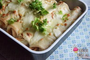 Zdjęcie - Naleśniki zapiekane z kurczakiem i warzywami - Przepisy kulinarne ze zdjęciami
