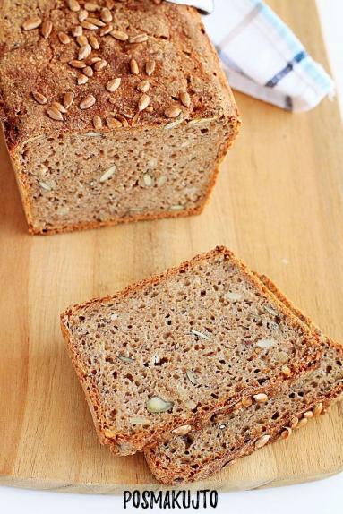 Zdjęcie - Chleb pszenno-żytni z ziarnami na zakwasie - Przepisy kulinarne ze zdjęciami