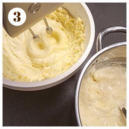 Zdjęcie - Kruchy placek z truskawkami - Przepisy kulinarne ze zdjęciami