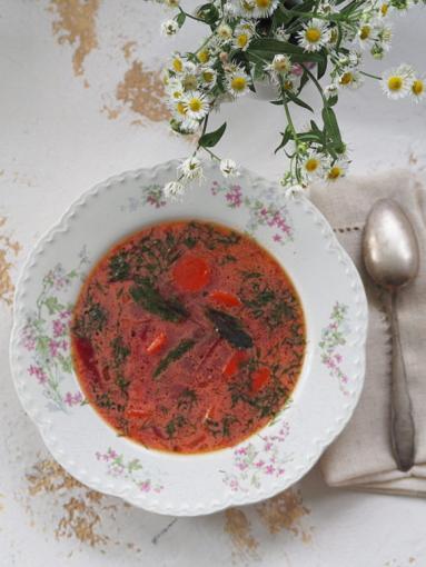 Zdjęcie - Barszcz litewski z botwinką i zakwasem z buraków. Kuchnia vintage - Przepisy kulinarne ze zdjęciami