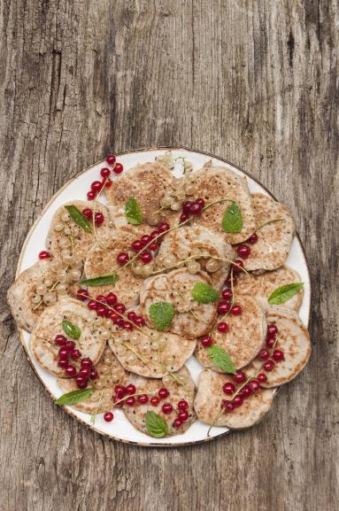 Zdjęcie - Nocne drożdżowe racuchy z mąki gryczanej - Przepisy kulinarne ze zdjęciami