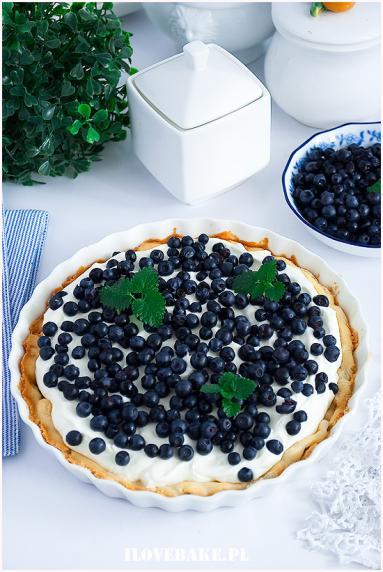 Zdjęcie - Tarta ptysiowa z jagodami - Przepisy kulinarne ze zdjęciami