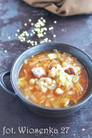 Zdjęcie - Letnia zupa z kapustą - Przepisy kulinarne ze zdjęciami