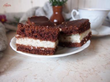 Zdjęcie - Błyskawiczne ciasto kokosowo czekoladowe - Przepisy kulinarne ze zdjęciami