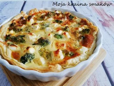 Zdjęcie - Tarta z brokułami i serem feta - Przepisy kulinarne ze zdjęciami