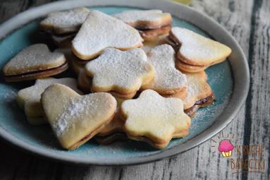 Zdjęcie - Kruche ciasteczka cytrynowe z marmoladą - Przepisy kulinarne ze zdjęciami