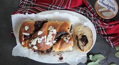 Zdjęcie - Brioszka z czekoladą - Przepisy kulinarne ze zdjęciami