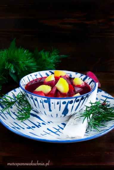 Zdjęcie - Barszcz czerwony na zakwasie z warzywami - Przepisy kulinarne ze zdjęciami