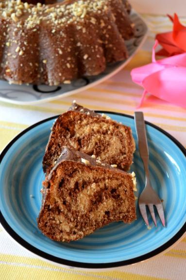 Zdjęcie - Pyszna babka z masłem orzechowym i czekoladą - Przepisy kulinarne ze zdjęciami