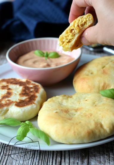 Zdjęcie - Placki z kurczakiem a'la chaczapuri - Przepisy kulinarne ze zdjęciami