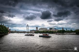 Widok na Tamizę z London Eye w tle