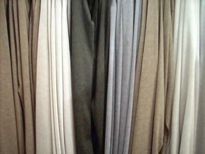 ספקטרום הצבעים של שוק האקססוריז. צולם בדוכנה של המעצבת אניה פליט