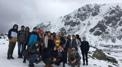 """Kolejna relacja ze szkolnej wycieczki w Tatry, tym razem ,,Czarny Staw Gąsienicowy - zima w maju""""."""