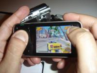 "N81 rodando ""Asphalt 3: Street Rules"", um dos jogos da plataforma N-Gage"
