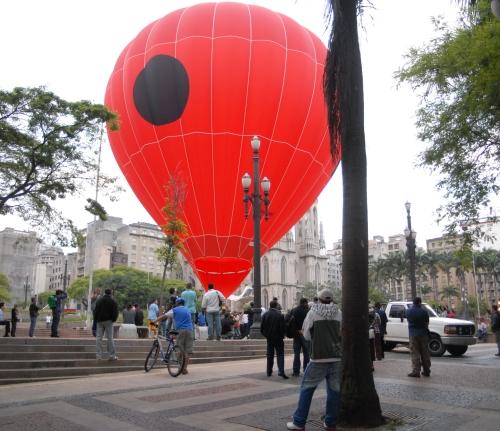 O balão pronto pra voar