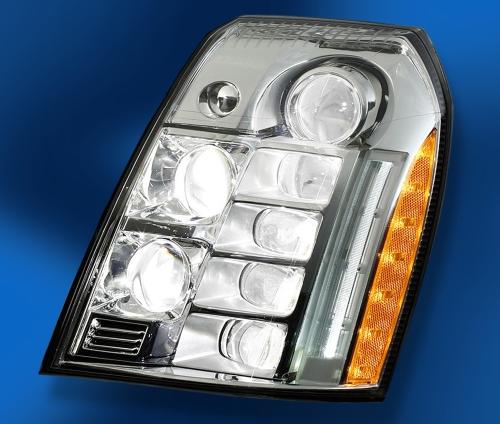 Detalhe do farol do Cadillac Escalade Platinum 2009: tudo em LED