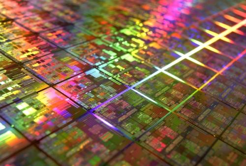 Wafer com chips produzidos em 45 nm da AMD