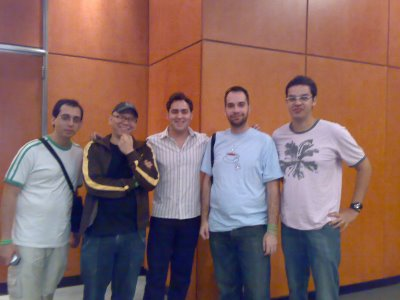 Na foto: Rafael Rigues, Marcelo Nóbrega, Luis Joly, eu e Gustavo Miller