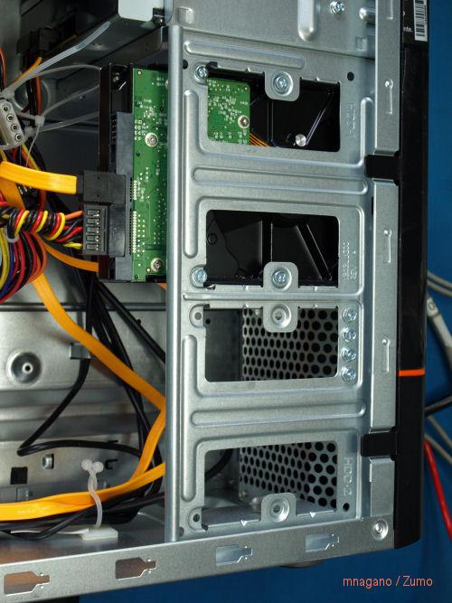 Lenovo_E200_disks
