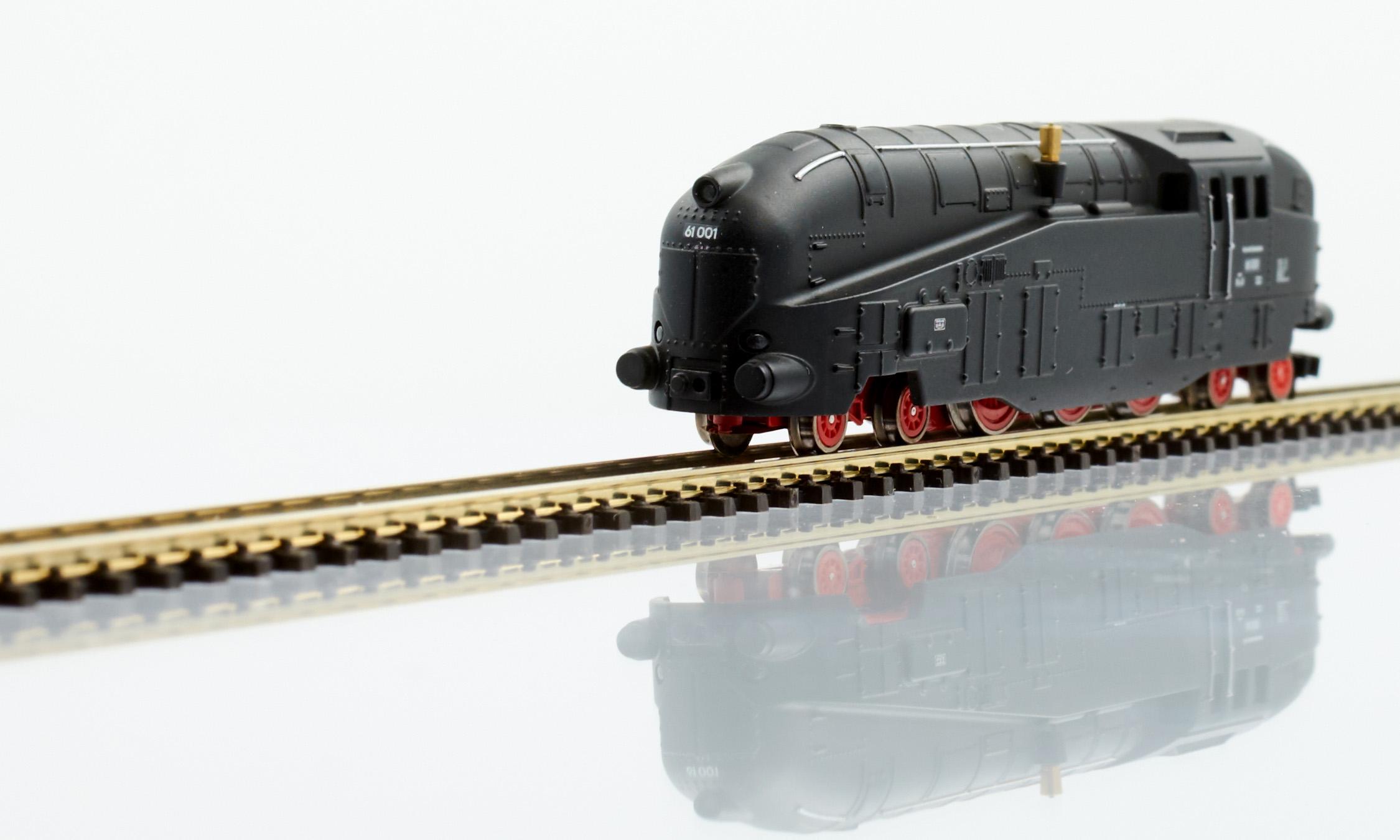 "Streamlined Tank Locomotive BR 61 001: ""Henschel-Wegmann"" | Z Trains"
