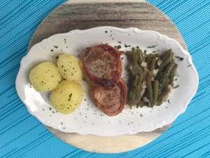 Schweinefilet mit Speckbohnen und Kartoffeln