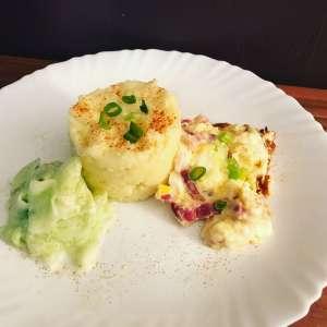 Zubereitung Kartoffelpüree mit Rühreier und Gurkensalat