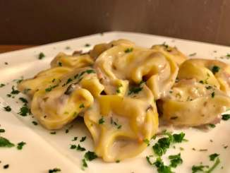 Pasta geht immer - Frische Tortellini in einer Cremigen Champignon Soße