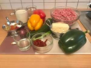Mediterrane Paprika Zucchini Hackfleisch Pfanne Zutaten