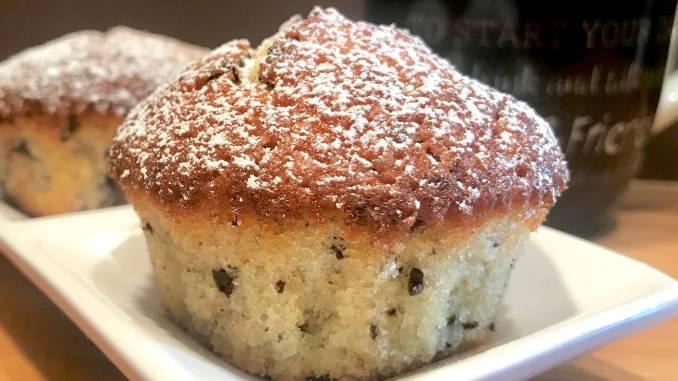 Sauerkirsch Muffins mit Schokoladen Raspeln