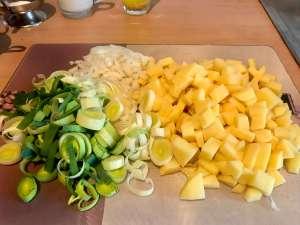 Vegetarische Porree Kartoffelsuppe Vorbereitungen
