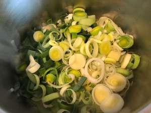 Vegetarische Porree Kartoffelsuppe Zubereitung