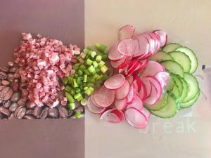 Kartoffelsalat mit Radieschen Gurke und Katenschinken Zubereitugen