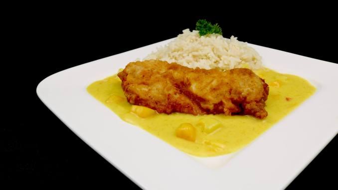 Zubereitung Crispy Chicken auf fruchtiger Thai Curry Soße