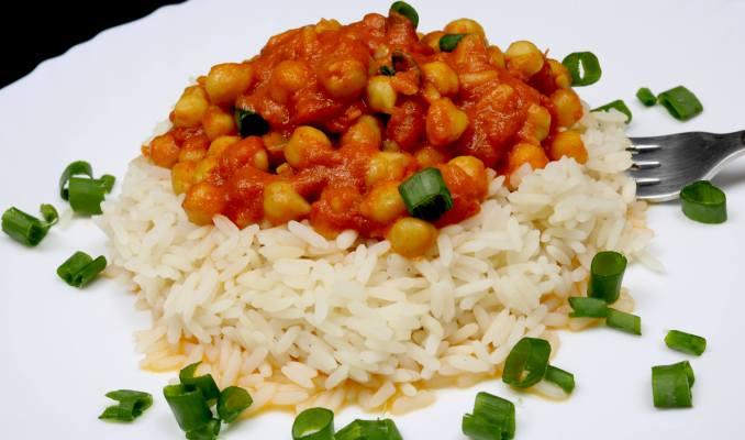 Serviervorschlag Curry Kichererbsen auf Reis