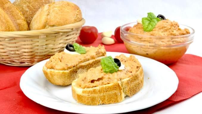 Mozzarella Tomaten Frischkäse Dip einfach und lecker