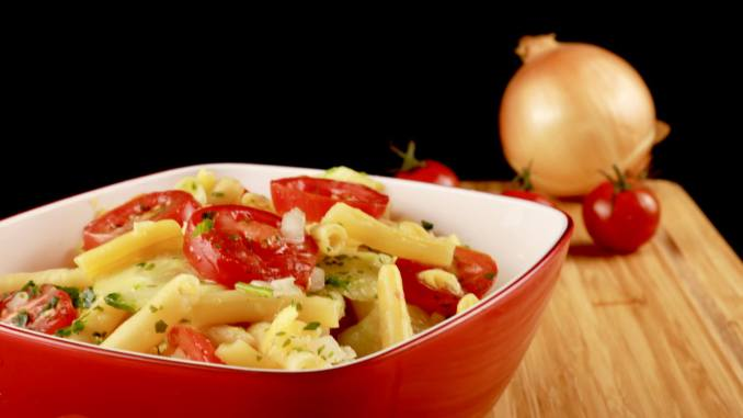 Omas Bohnen Gurken Tomaten Salat