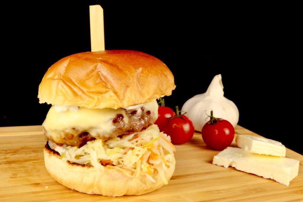 Griechischer Burger mit Feta Käse