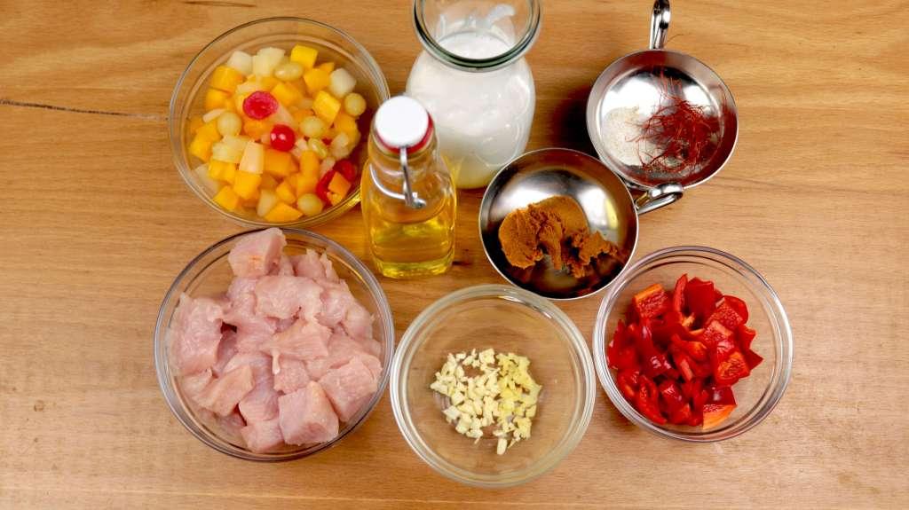 Zubereitung Fruchtiges Puten Curry an Reis