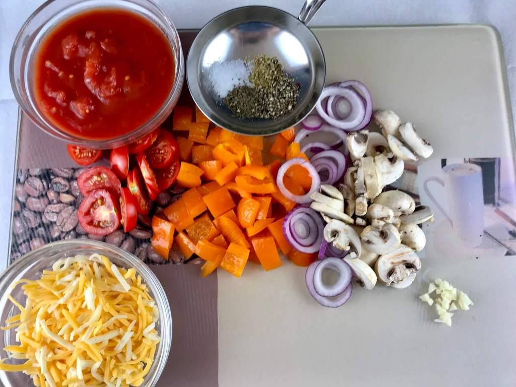 Vorbereitung Vegetarische Fladenbrot Pizza