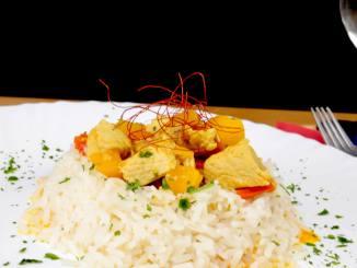 Fruchtiges Puten Curry an Reis