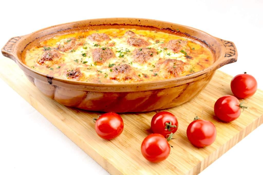 Serviervorschlag Toscana Hackbällchen mit Mozzarella Käse